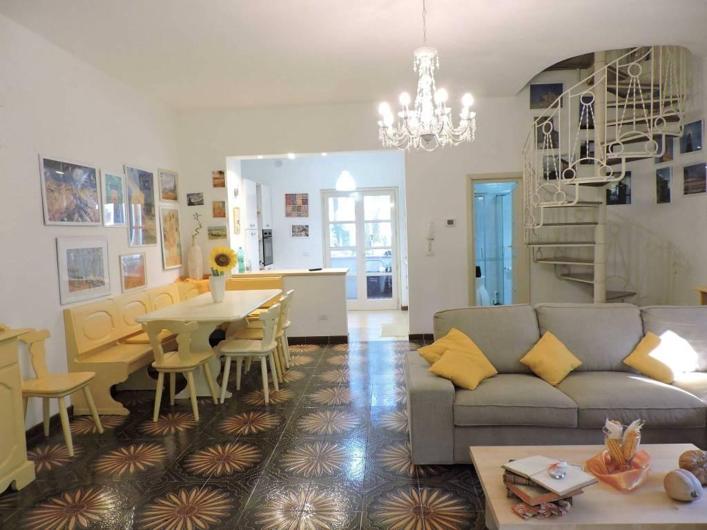 Villa in ottime condizioni arredato in vendita Rif. 9058885