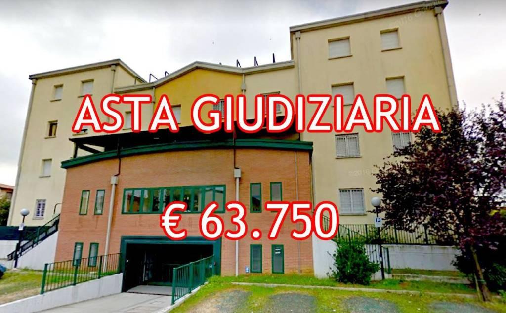 Appartamento in buone condizioni in vendita Rif. 9058845
