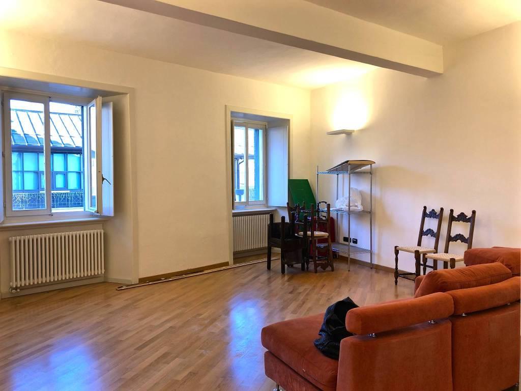 Appartamento trilocale in affitto a Sondrio (SO)