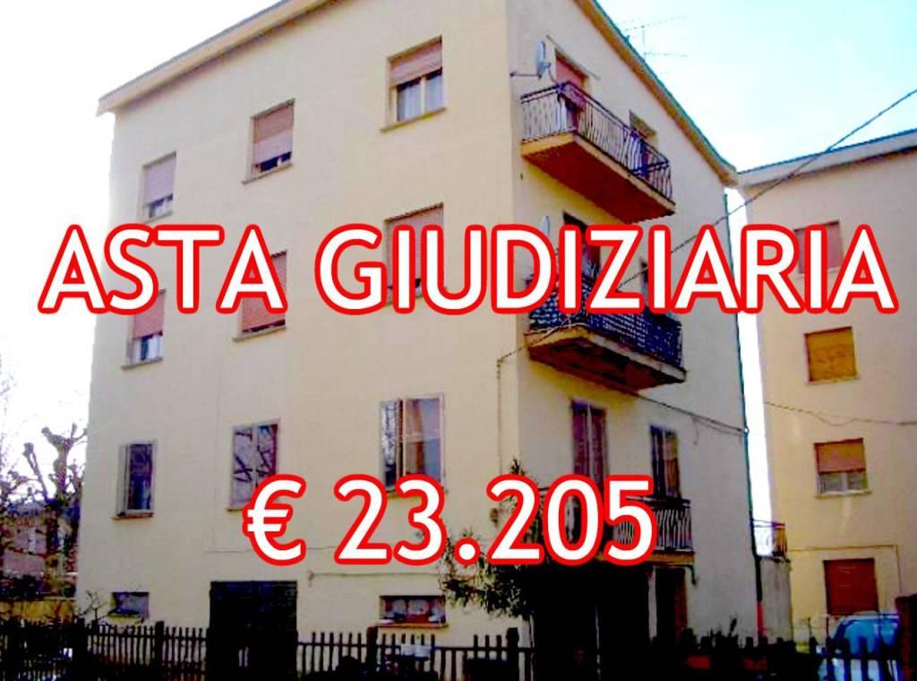 Appartamento da ristrutturare in vendita Rif. 9065473