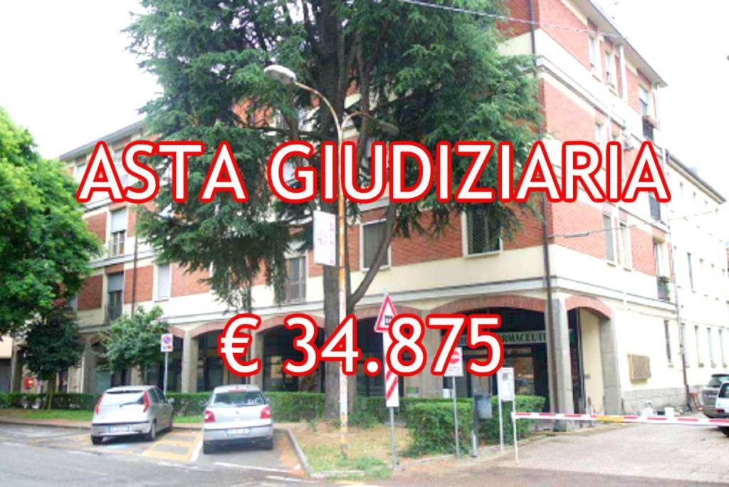 Appartamento in buone condizioni in vendita Rif. 9065470