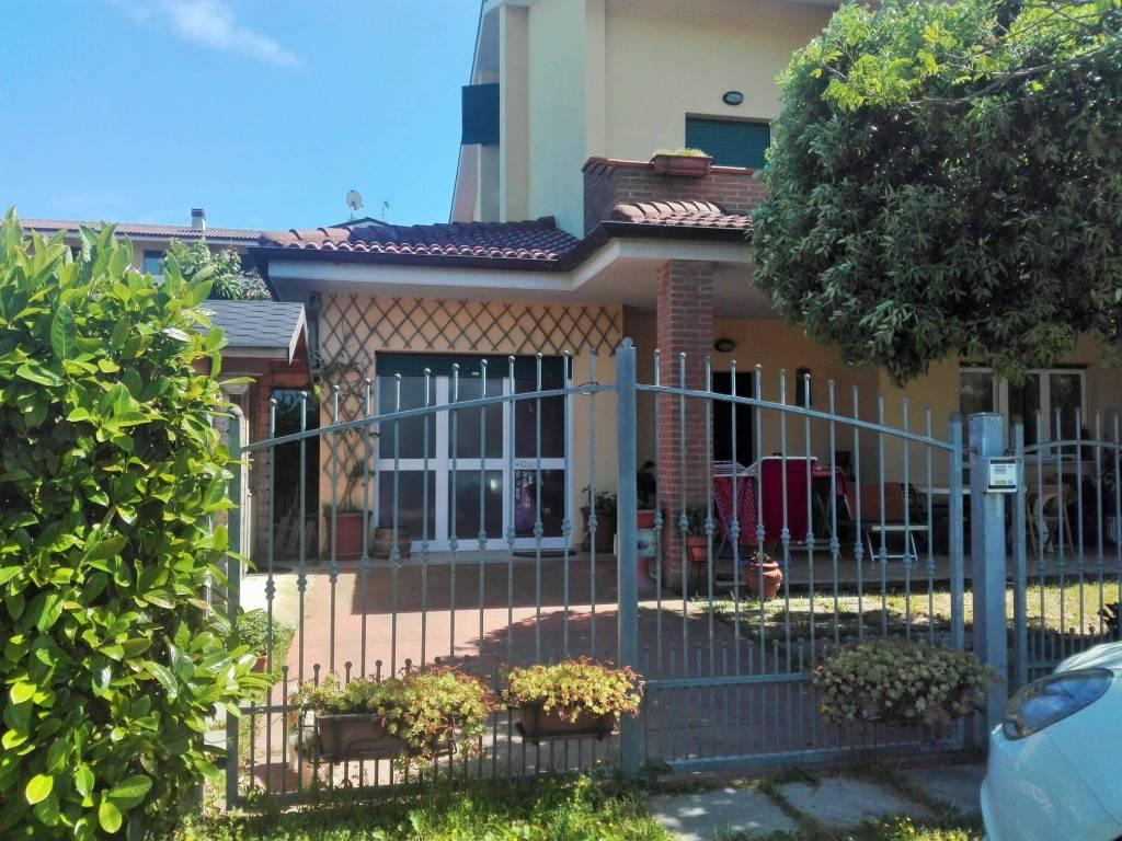 Villa a schiera quadrilocale in vendita a Roseto degli Abruzzi (TE)