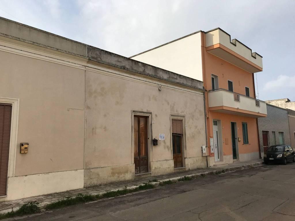 Appartamento 5 locali in vendita a Calimera (LE)