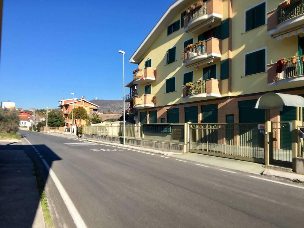 Appartamento trilocale in vendita a Veroli (FR)