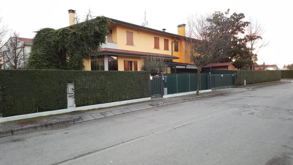 Villa in ottime condizioni in vendita Rif. 5972991