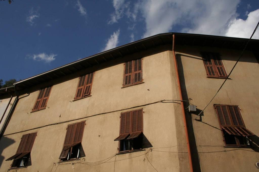 Pigna vendita due alloggi attigui