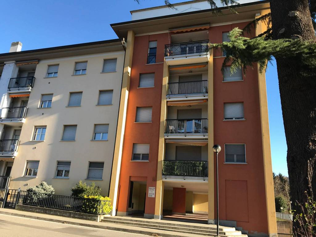 Appartamento in ottime condizioni arredato in affitto Rif. 8964477