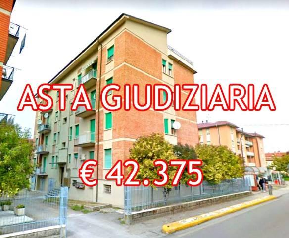 Foto 1 di Trilocale Via Circonvallazione Est 10, Castello D'argile