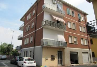 Appartamento in buone condizioni in vendita Rif. 9078451