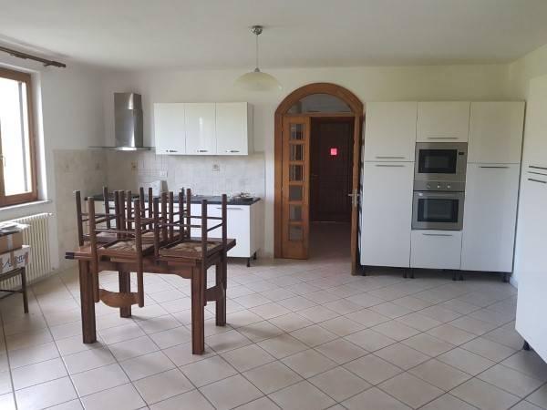 Appartamento in ottime condizioni arredato in affitto Rif. 9078369