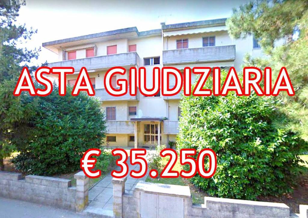 Appartamento in buone condizioni in vendita Rif. 9086388