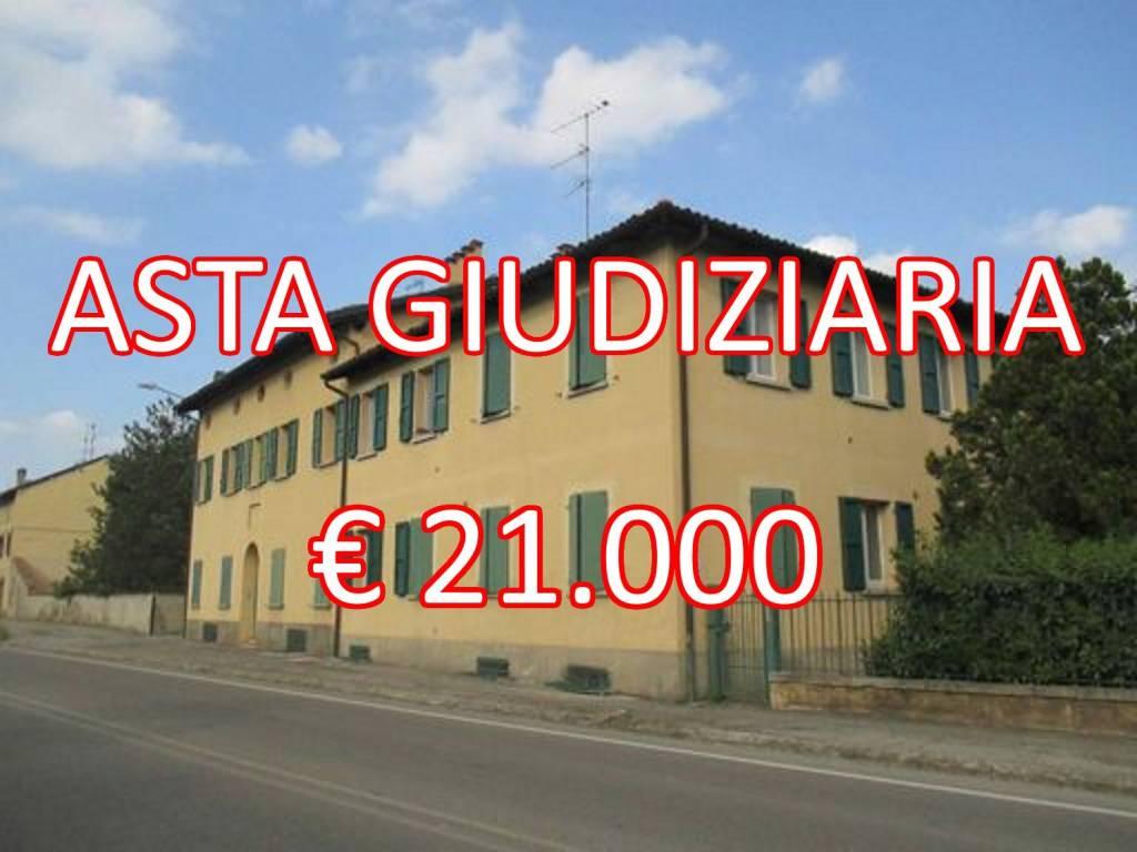 Appartamento in buone condizioni in vendita Rif. 9086394