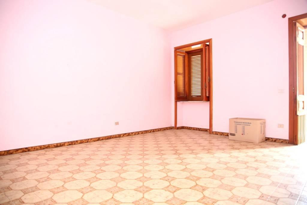 Casa Indipendente da ristrutturare in vendita Rif. 9087374