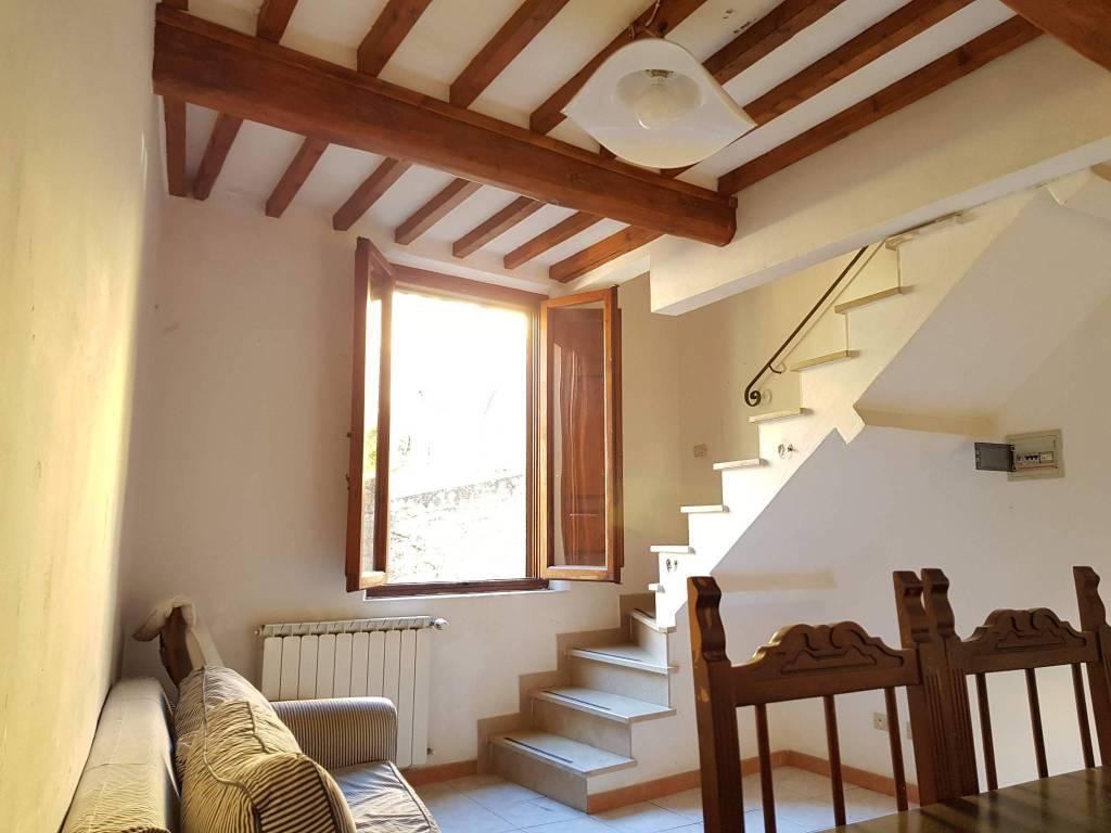 Appartamento da ristrutturare in vendita Rif. 8999268