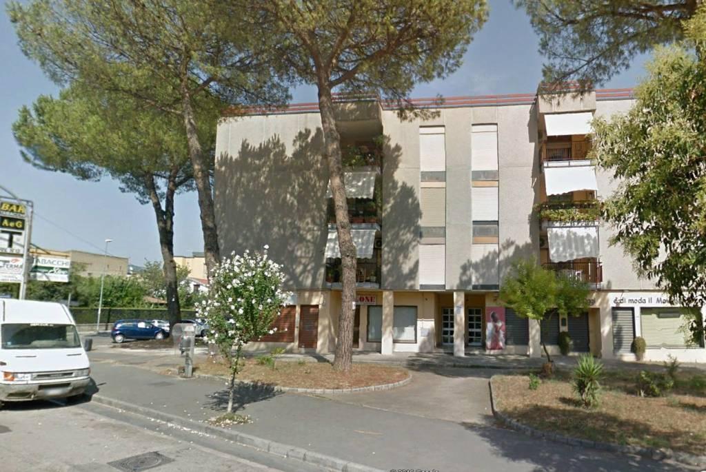 Centrale in via Napoli 4 vani + 2 acc. € 95.000