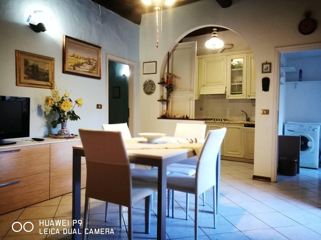 Appartamento in ottime condizioni arredato in vendita Rif. 9086694