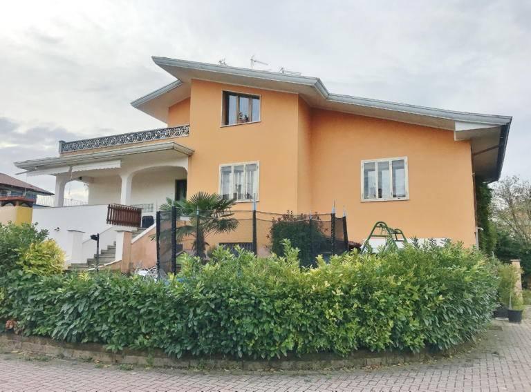 Appartamento in ottime condizioni in vendita Rif. 9085490