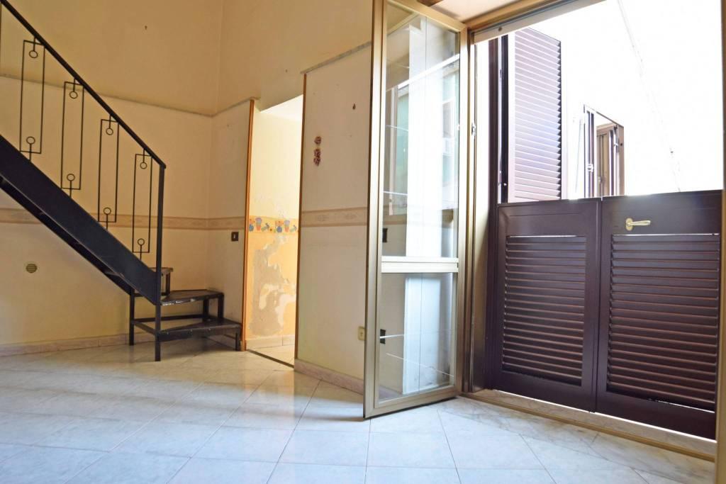 Appartamento in buone condizioni in vendita Rif. 9088652