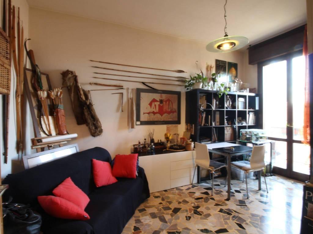 Appartamento in buone condizioni parzialmente arredato in vendita Rif. 9086000