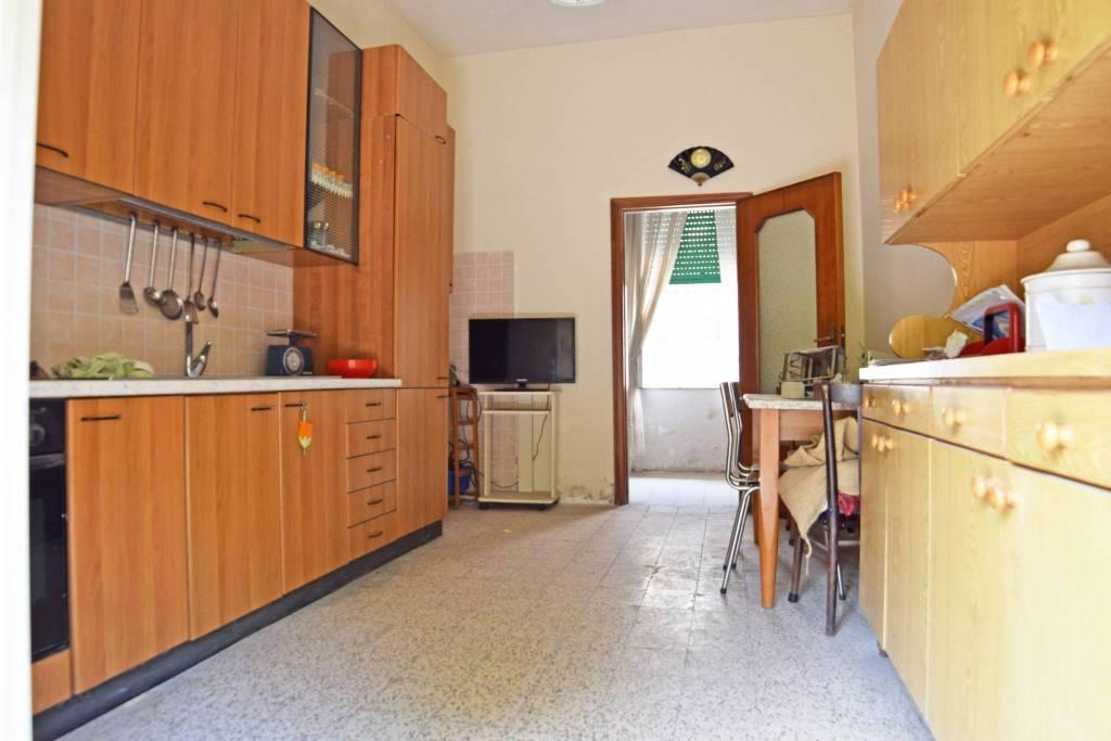 Appartamento da ristrutturare in vendita Rif. 9088653