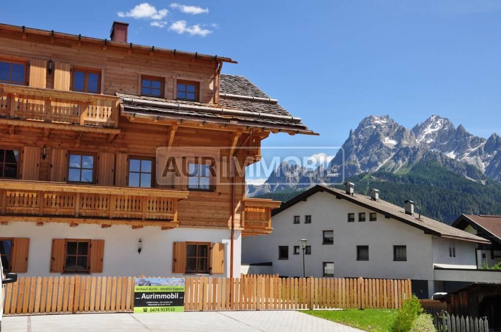 Appartamento in buone condizioni in vendita Rif. 9085894