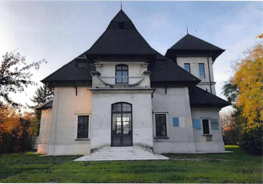 Villa in vendita a Rodigo, 9 locali, Trattative riservate | CambioCasa.it