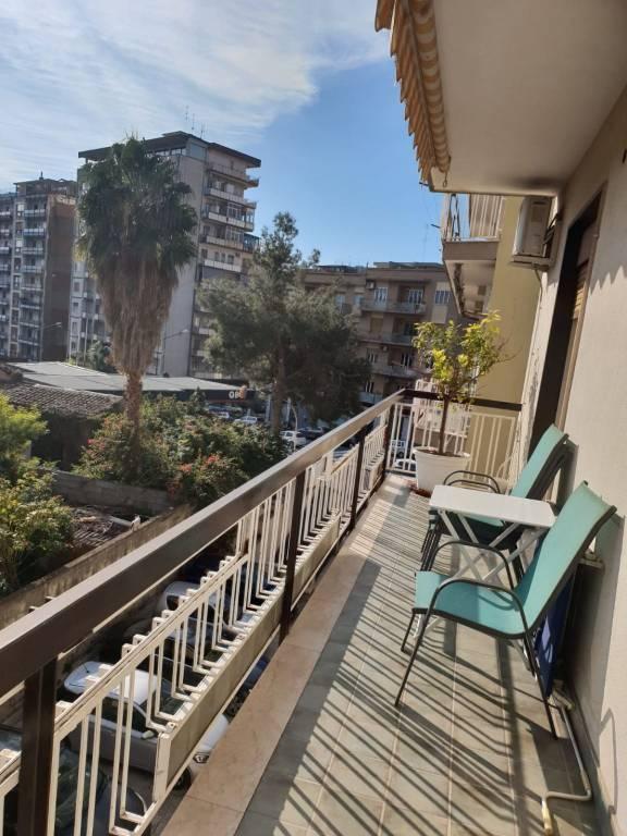 Appartamento in buone condizioni parzialmente arredato in affitto Rif. 9381320