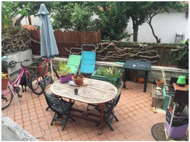 Appartamento in buone condizioni arredato in affitto Rif. 9087648
