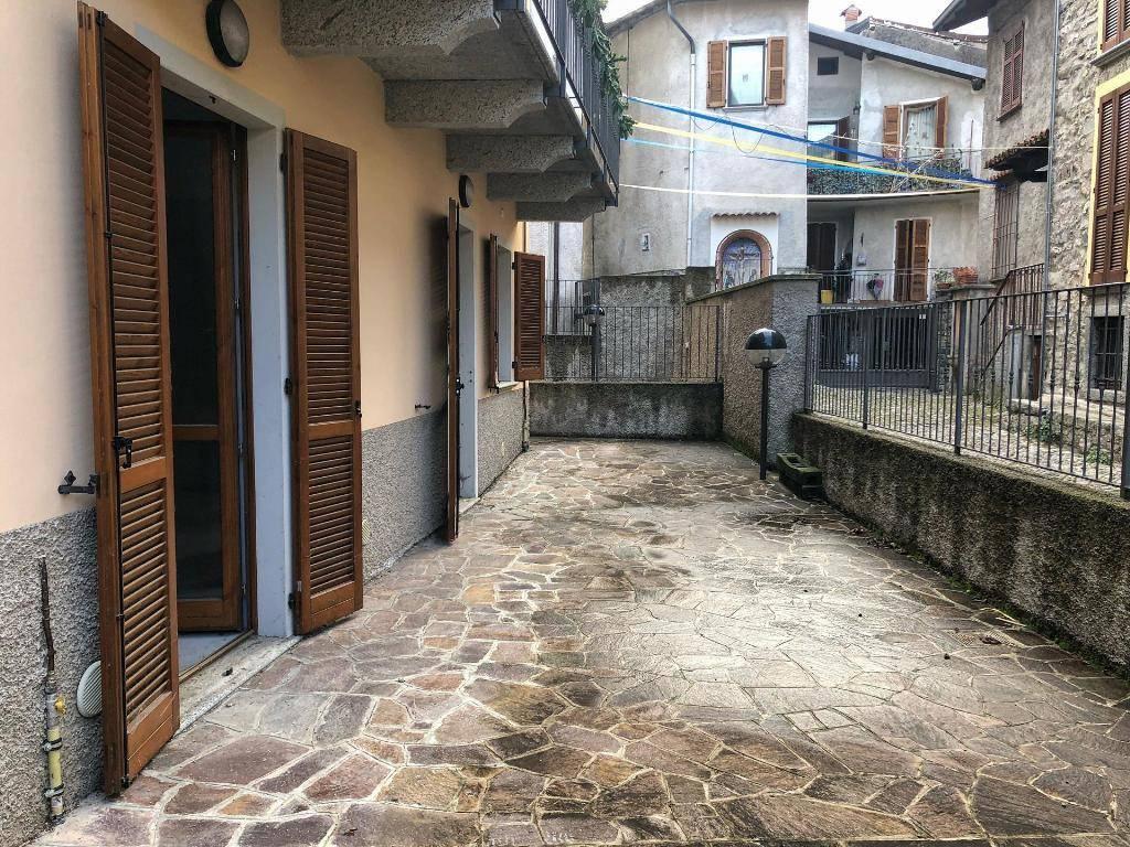 Appartamento in ottime condizioni in vendita Rif. 9097315