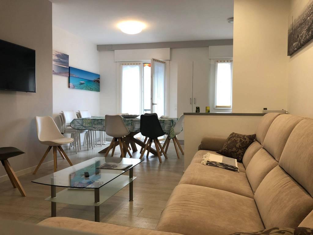 Appartamento in ottime condizioni arredato in vendita Rif. 9100137