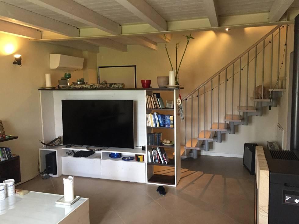 Appartamento in ottime condizioni in vendita Rif. 9096334