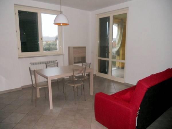 Appartamento in ottime condizioni arredato in affitto Rif. 9099549