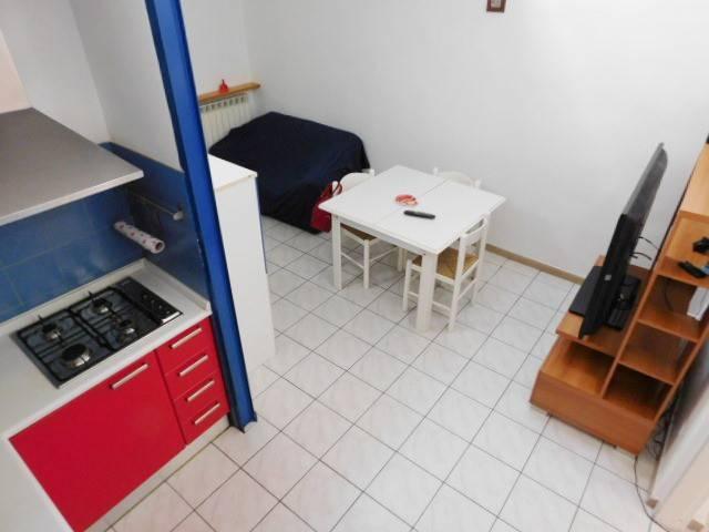Appartamento in ottime condizioni arredato in affitto Rif. 8923663