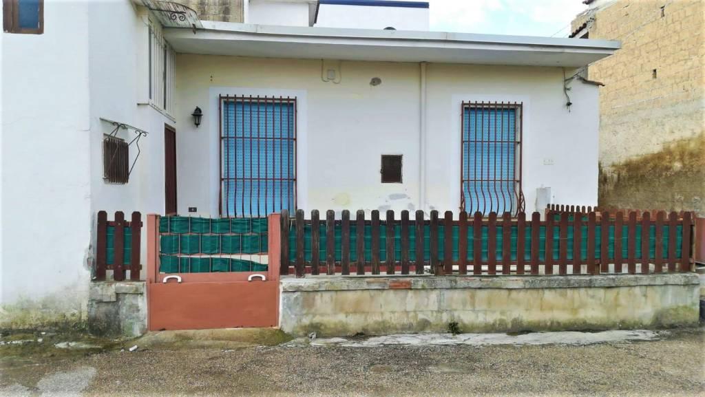 Appartamento in buone condizioni in affitto Rif. 9098620