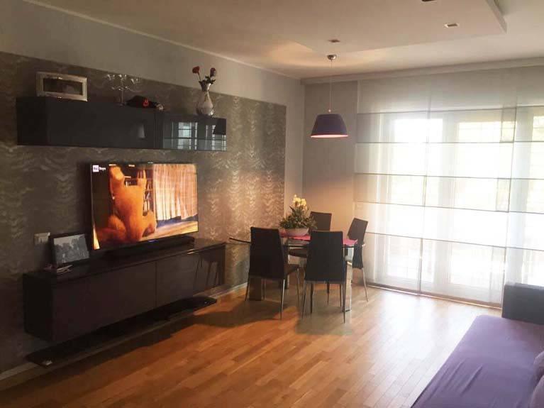 Appartamento in ottime condizioni arredato in affitto Rif. 9242027