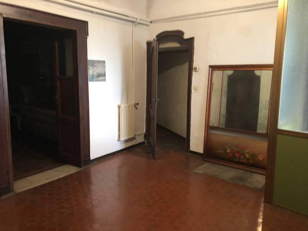 Appartamento da ristrutturare in vendita Rif. 9096598