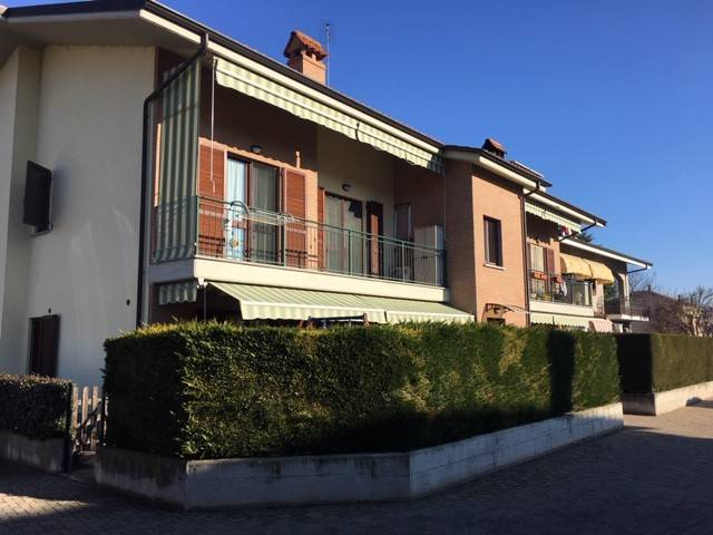 Appartamento in ottime condizioni in vendita Rif. 9098998