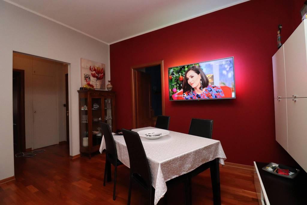 Appartamento in ottime condizioni parzialmente arredato in vendita Rif. 9098446