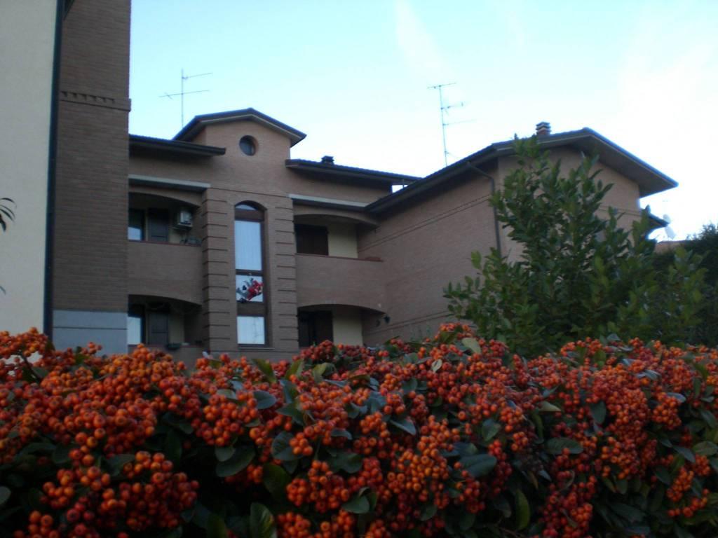 Appartamento in ottime condizioni parzialmente arredato in vendita Rif. 9108759