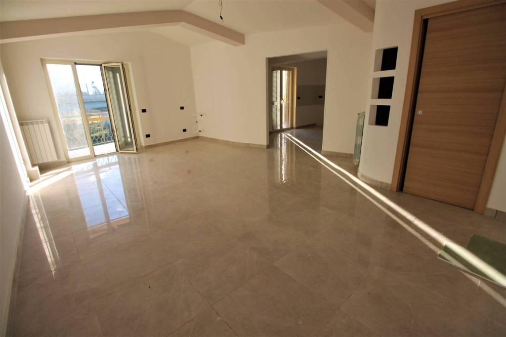 Appartamento ristrutturato con ampio balcone Panoramico!