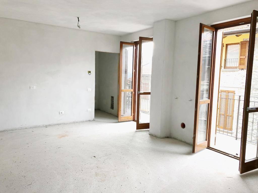 Appartamento in ottime condizioni in vendita Rif. 9108422