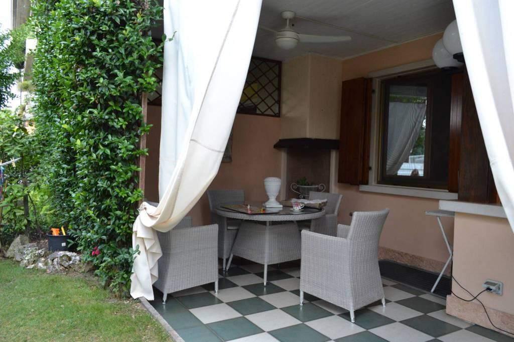 Appartamento in vendita a Desenzano del Garda, 6 locali, prezzo € 310.000 | PortaleAgenzieImmobiliari.it