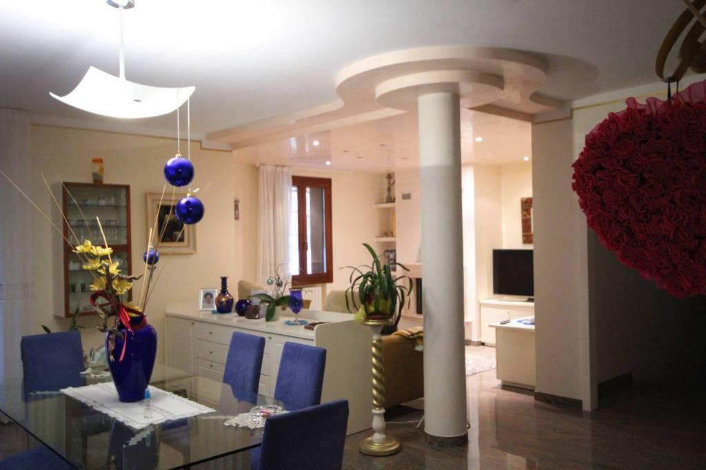 Villa in vendita Rif. 9108804