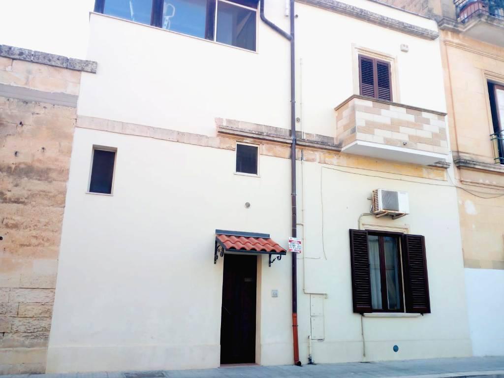 Stabile / Palazzo in ottime condizioni in vendita Rif. 9108401