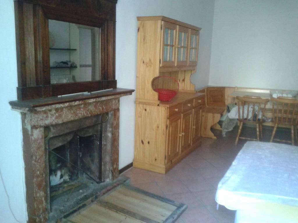 Appartamento in buone condizioni in vendita Rif. 9108676