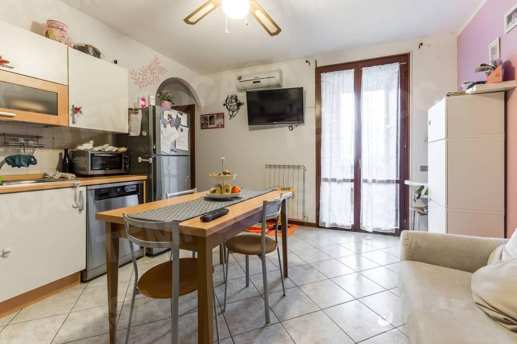 Appartamento in ottime condizioni in vendita Rif. 9108577