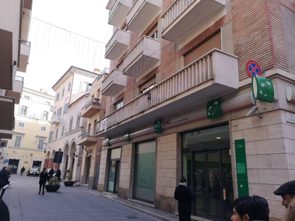 Ufficio quadrilocale in vendita a Foligno (PG)