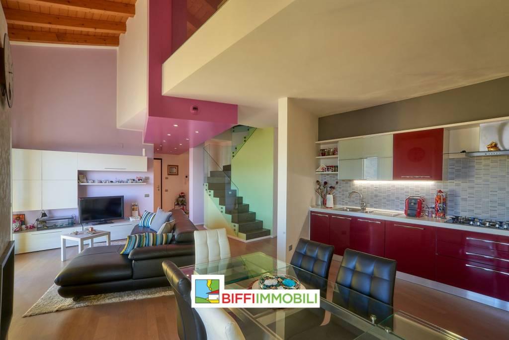 Appartamento in vendita a Calolziocorte, 4 locali, prezzo € 250.000 | PortaleAgenzieImmobiliari.it
