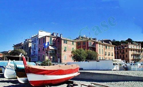 Appartamento in buone condizioni in vendita Rif. 9109425