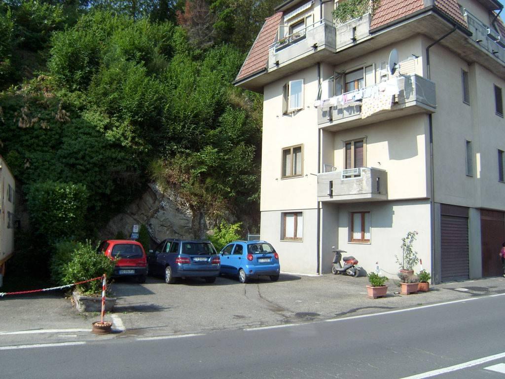 Appartamento in ottime condizioni arredato in vendita Rif. 9108191